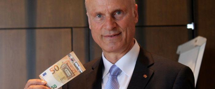 50 avroluk yeni banknotlar tanıtıldı