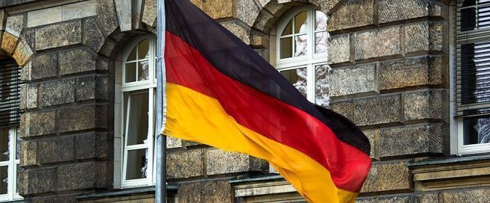 Almanya'da hukuk stajyerine başörtüsü izni