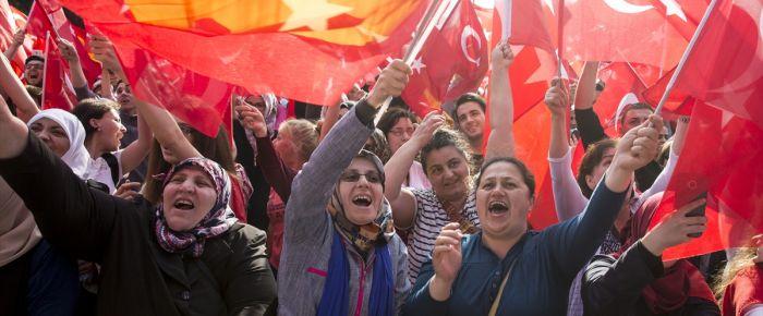Almanya'daki Türkler uyumlu ama dışlanmış