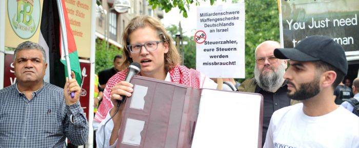 Almanya'nın İsrail'e silah satışına protesto