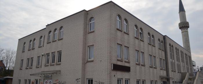 Bremen'deki camiye 6 ayda ikinci saldırı