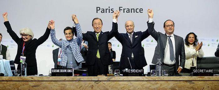Fransa İklim Anlaşması'nı imzaladı