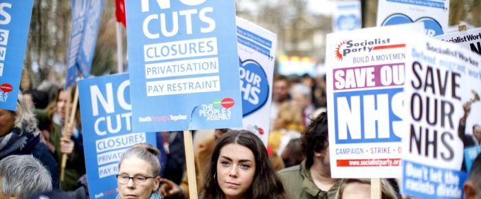 İngiliz hükümetine kesinti protestosu