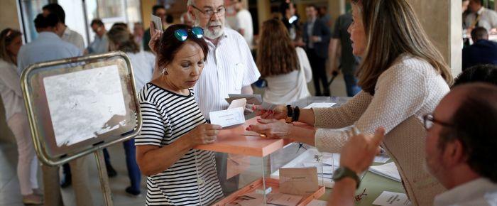 İspanya seçimleri çekişmeli geçiyor