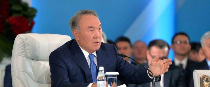 Kazakistan'dan sanayi hamlesi