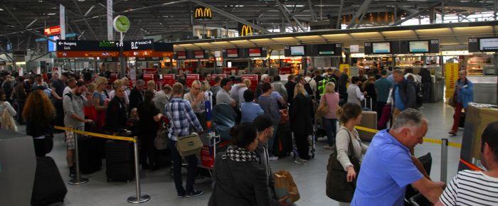 Köln-Bonn Havaalanında panik