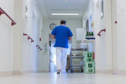 Köln'de iki hastahaneden inanılmaz davranış