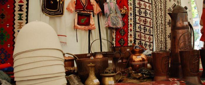 Kosova'da milli kıyafetler fuarı açıldı