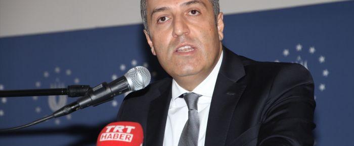 M. Yeneroğlu: 'Bir krizin içindeyiz'