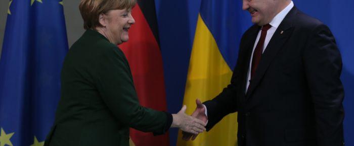 Merkel-Poroşenko görüşmesinde endişeli mesajlar