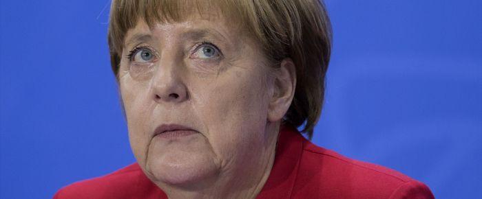 Merkel Türkiye-AB mülteci anlaşmasını savundu