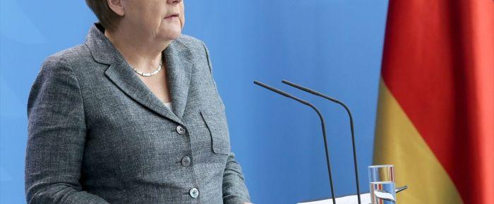 Merkel'den darbe tepkisi