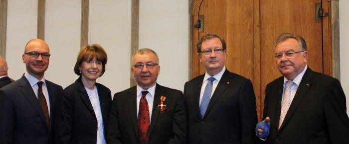 Önel'e Alman Devlet Liyakat Nişanı verildi