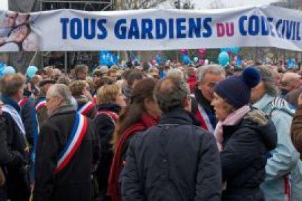 Paris'te gardiyan eylemine müdahale