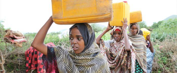 Somalili mültecilerin su çilesi