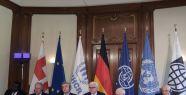 Almanya'da mülteci krizi toplantısı