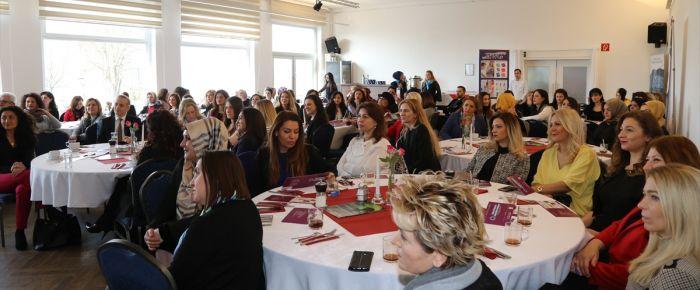Türk iş kadınları Köln'de bir araya geldi