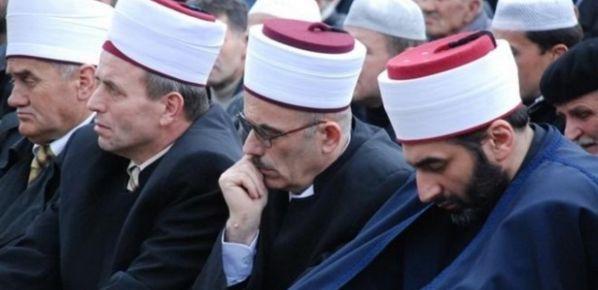 Türklerin imamlarını 'rahipler' atayacak