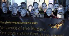 AB liderlerine maskeli protesto