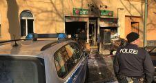 Almanya'da yine camiye saldırı